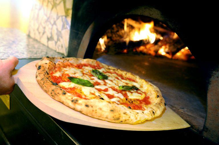 Pizza Napoletana: una storia a sopresa